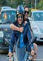 Bewakoofiyaan Ayushmann Khurrana Sonam Kapoor On Bike Stills