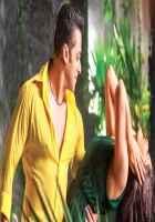 Kick Salman Khan Yellow Shirt Jacqueline Fernandez Green Dress Stills