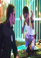 Singham Returns Ajay Devgn With Child Aata Majhi Satakli Stills