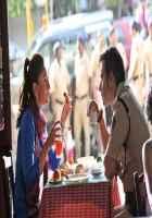 Singham Returns Kareena Kapoor Ajay Devgn Taking Break Fast Stills