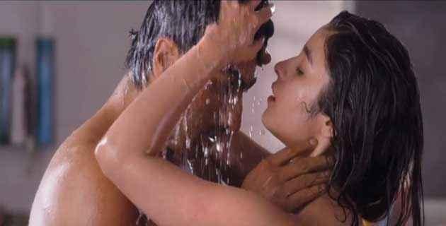 2 States Arjun Kapoor Alia Bhatt Hot Bath Scene Stills