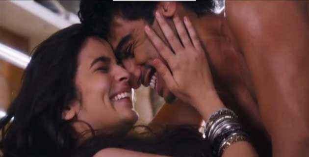 2 States Arjun Kapoor Alia Bhatt Hot Romance Stills