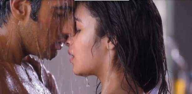 2 States Arjun Kapoor Alia Bhatt Hot Romantic Bath Scene Stills