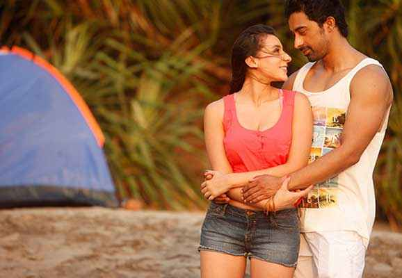 3 AM : The Hour Of The Dead Anindita Nayar Rannvijay Singh Romance At Beach Stills