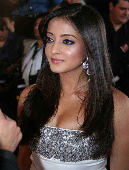 3 Bachelors Star Cast Raima Sen
