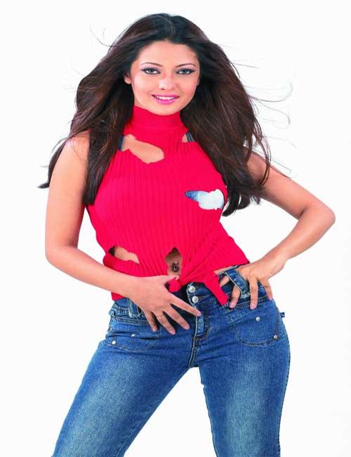 3 Bachelors Star Cast Riya Sen