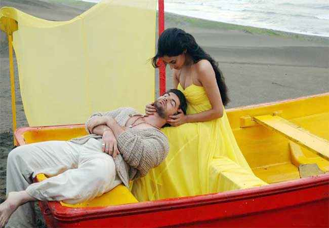 3G (2013) Neil Nitin Mukesh Sonal Chauhan Hot Photos Stills