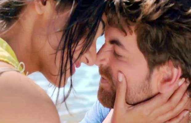 3G (2013) Romantic Scene Stills
