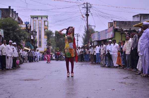 The Untold Story Aahinsa Kaashvi Kanchan Pics Stills