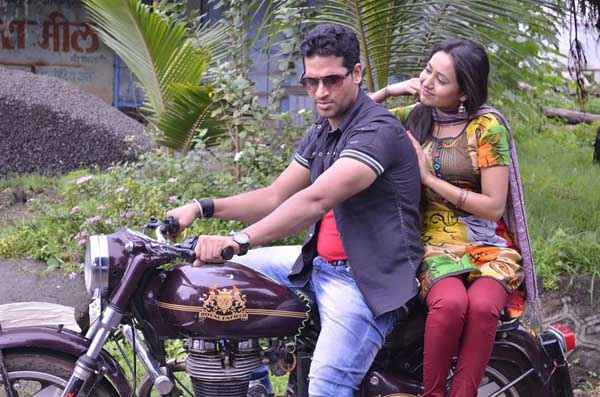 The Untold Story Aahinsa Nafe Khan Kaashvi Kanchan On Bike Stills