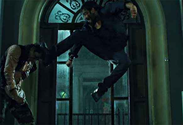 Action Jackson Ajay Devgn Actions In Air Stills