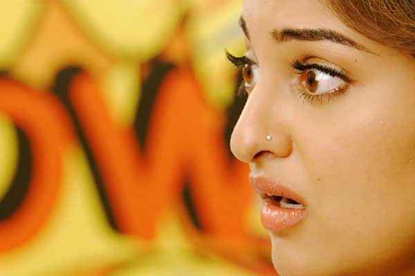 Action Jackson Sonakshi Sinha Cute Eyes Stills