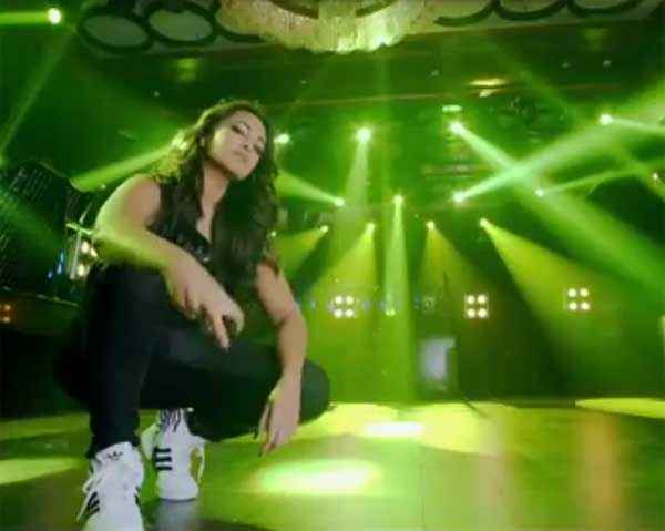 Action Jackson Sonakshi Sinha In Sports Shoes Stills