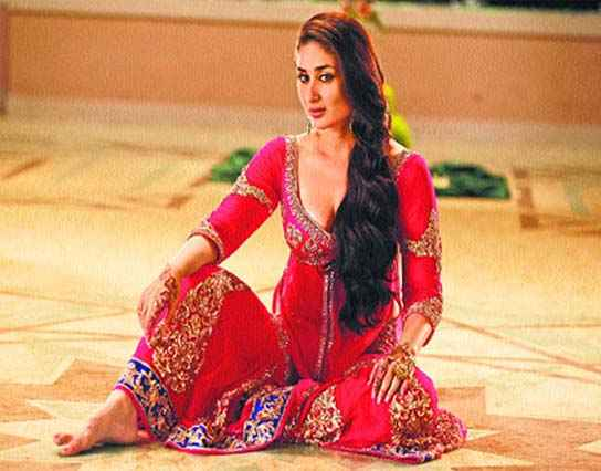 Agent Vinod Karina Kapoor Mujra Pictures Stills