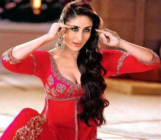 Agent Vinod Karina Kapoor Mujra Stills