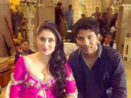 Agent Vinod Karina Kapoor Sexy Mujra Stills