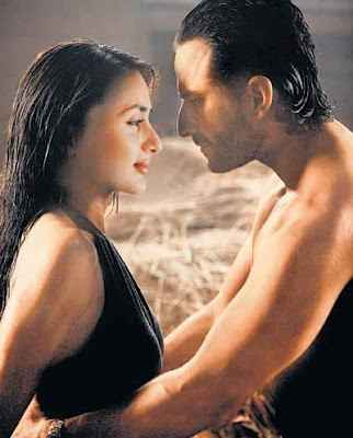 Agent Vinod Saif Ali Khan and Karina Kapoor Hot Scene Stills