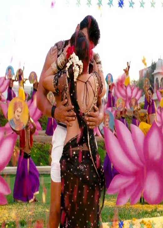 Aiyyaa Rani Mukherjee Prithviraj Kiss Scene Stills