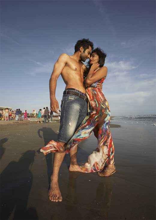 Ajab Gazabb Love Jackky Bhagnani Nidhi Subbaiah Hot Scene Stills