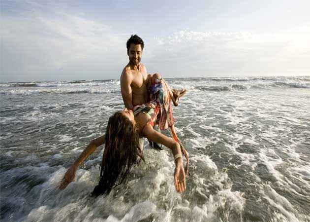 Ajab Gazabb Love Jackky Bhagnani Nidhi Subbaiah Romance Stills