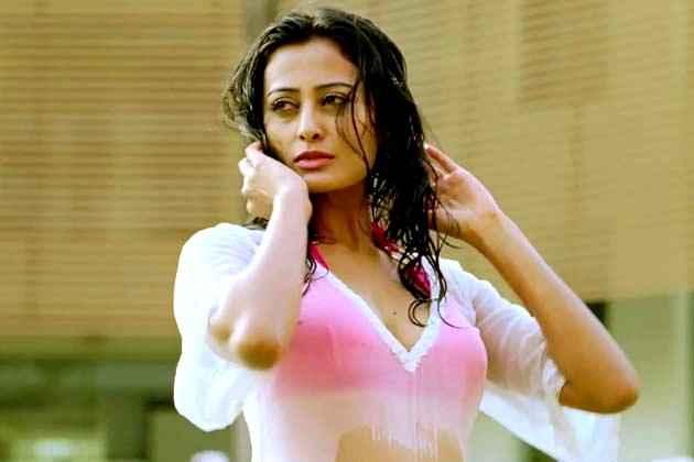 Ajab Gazabb Love Nidhi Subbaiah In Bikini Stills