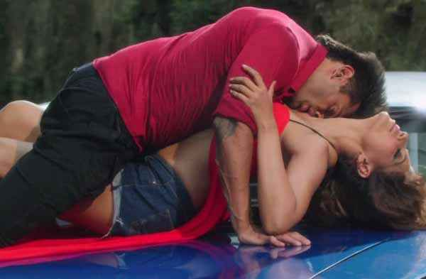 Alone Hot Bipasha Basu Karan Singh Grover In Katra Katra Song Stills