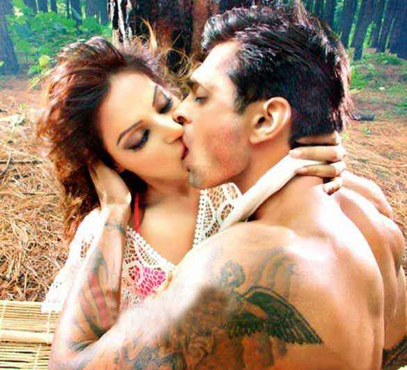 Alone Karan Singh Grover Bipasha Basu Hot Kissing Scene Stills