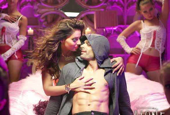 Alone Karan Singh Grover Six Packs With Bipasha Basu Stills