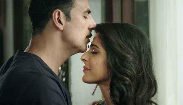 Baby Akshay Kumar Kissing Madhurima Tuli ForeHead Stills