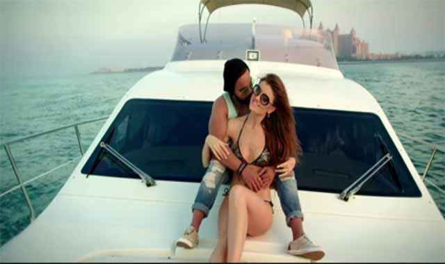 Bad Wali Feeling Indeep Bakshi Neha Kakkar On Car Stills