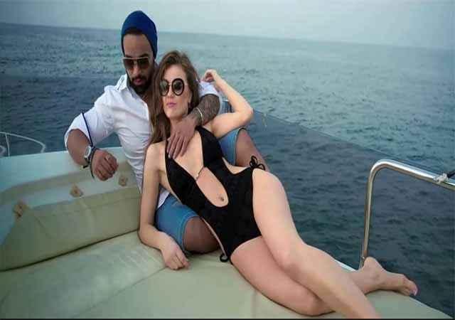 Bad Wali Feeling Indeep Bakshi With Bikini Girl Stills