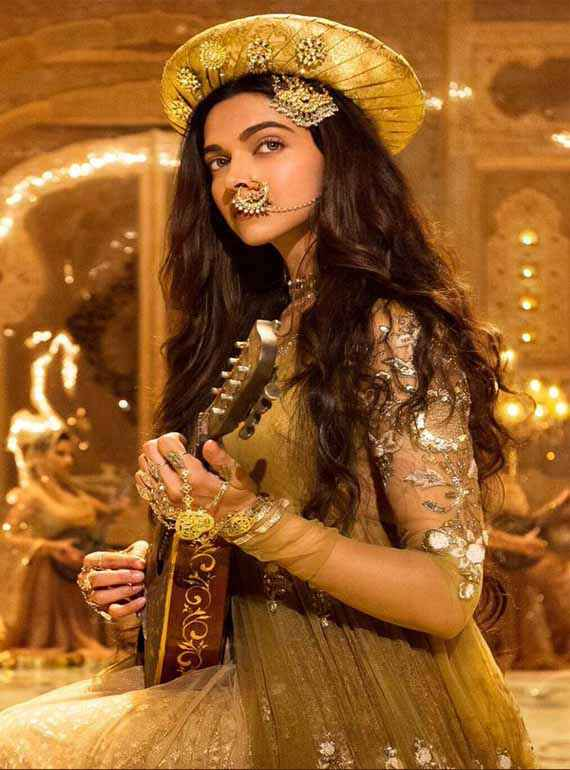Bajirao Mastani Deepika Padukone Cute Dress Stills