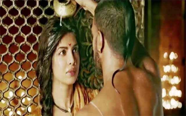 Bajirao Mastani Priyanka Chopra Ranveer Singh Hot Scene Stills
