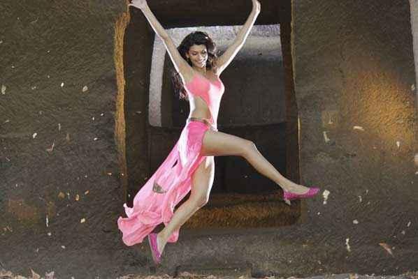 Balwinder Singh Famous Ho Gaya Gabriela Bertante Flying Pic Stills