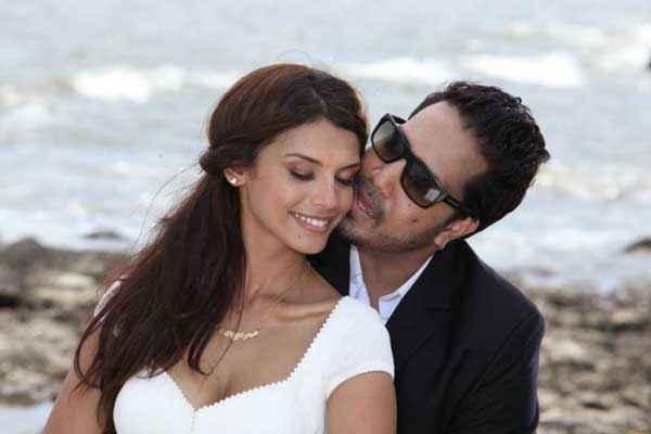 Balwinder Singh Famous Ho Gaya Mika Singh Gabriela Bertante Romance Stills