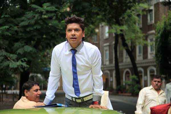 Balwinder Singh Famous Ho Gaya Shaan White Shirt And Blue Tie Stills