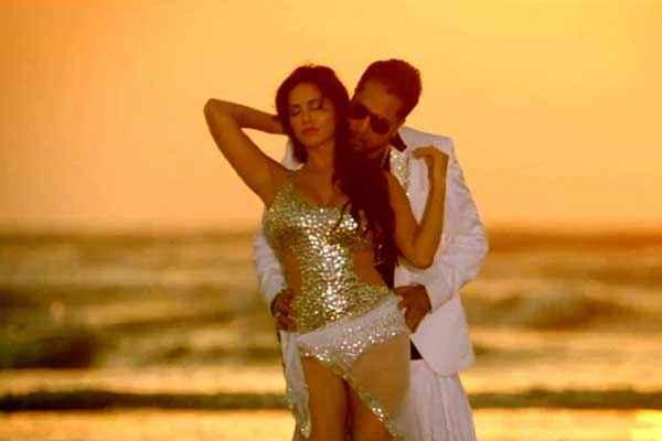 Balwinder Singh Famous Ho Gaya Sunny Leone Hot And Mika Singh Stills