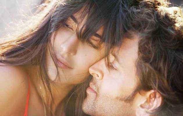 Bang Bang Hrithik Katrina Hot Scene Stills