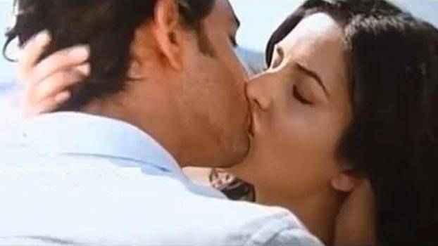 Bang Bang Hrithik Katrina Kiss Scene Stills