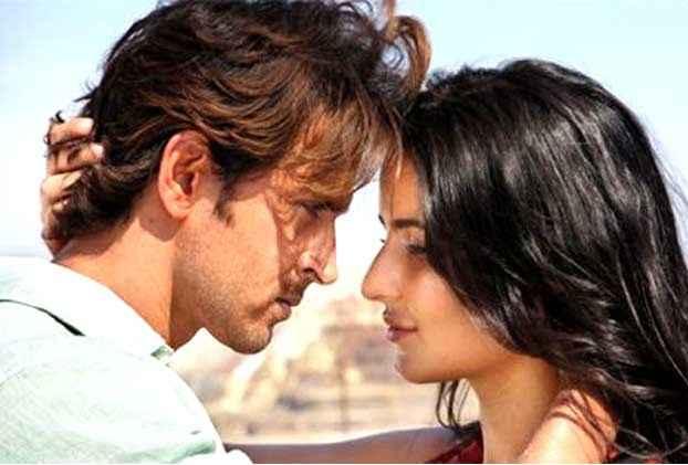 Bang Bang Hrithik Katrina Kissing Stills