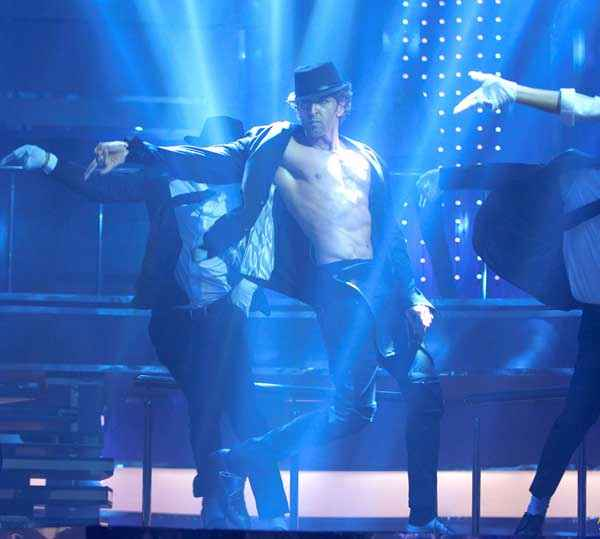 Bang Bang Hrithik Roshan Dance Style Wallpaper Stills