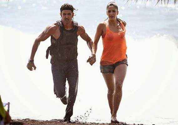 Bang Bang Hrithik Roshan Katrina Kaif Running In Short Dress Stills