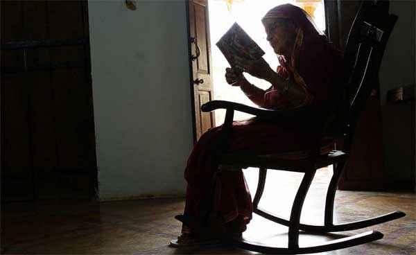 Barefoot To Goa Farrukh Jaffer Reading Book Stills