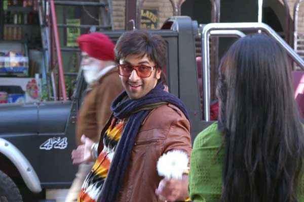 Besharam Ranbir Kapoor Pallavi Sharda Romance Stills