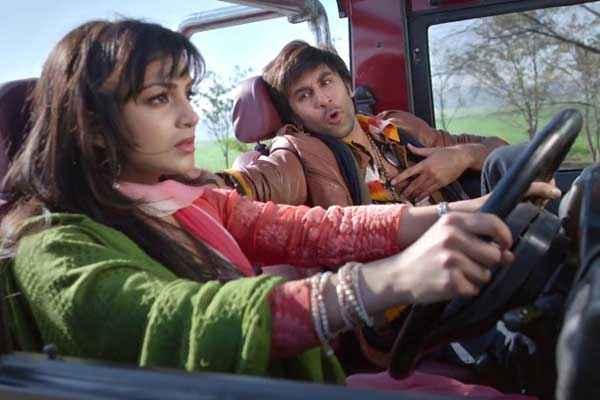 Besharam Ranbir Kapoor Pallavi Sharda Romantic Scene Stills