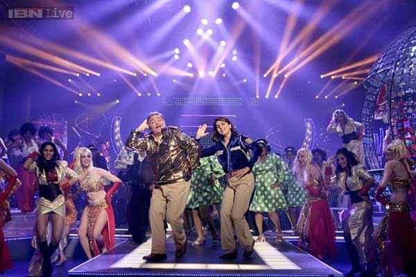 Besharam Rishi Kapoor Neetu Singh Dance Stills