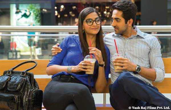 Bewakoofiyaan Ayushmann Khurrana Sonam Kapoor Having Cold Coffee Stills
