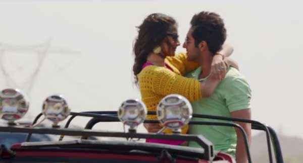 Bewakoofiyaan Ayushmann Khurrana Sonam Kapoor Romance Stills