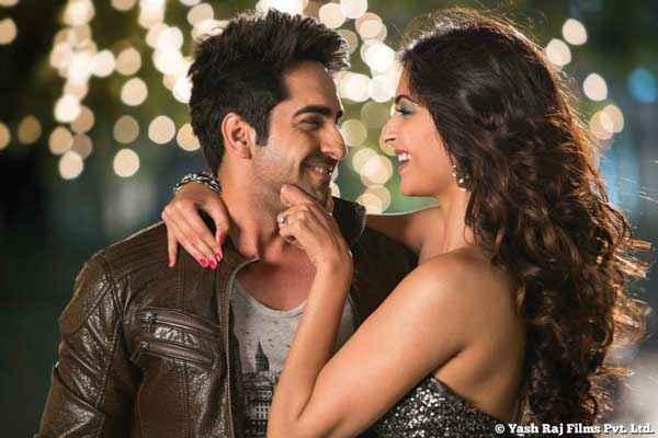 Bewakoofiyaan Ayushmann Khurrana Sonam Kapoor Smiling Scene Stills
