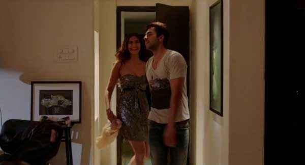 Bewakoofiyaan Sonam Kapoor Ayushmann Khurrana Romantic Mood Stills